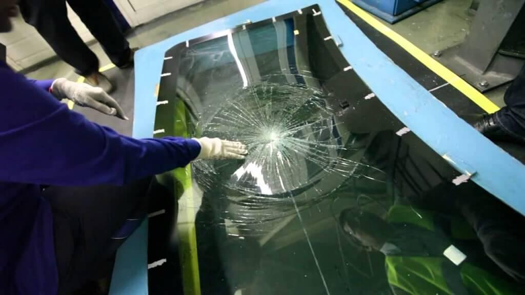 Действие защитной пленки на лобовом стекле