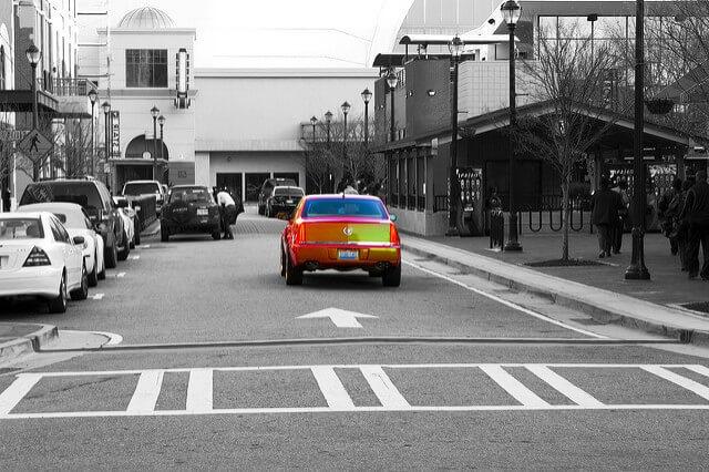 авто меняет цвет