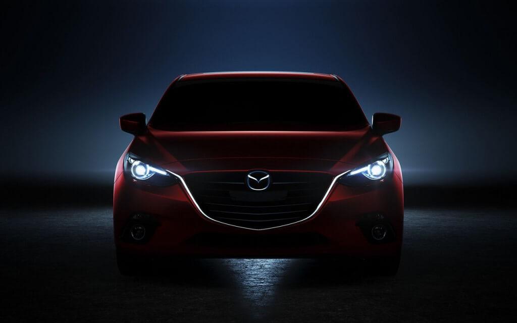 Mazda 3 с галогенными лампами и светодиодной подсветкой