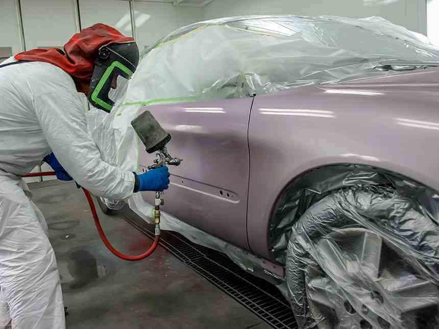 Покраска автомобиля - устраняем недочеты и красим только поврежденную дверцу