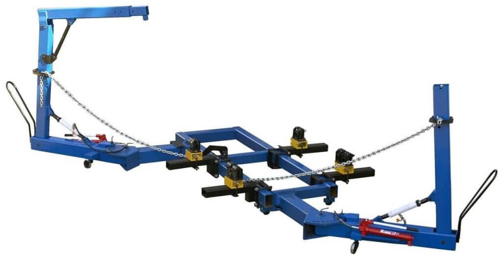 Рихтовочные приспособления для вытягивания отдельных частей поверхности кузова