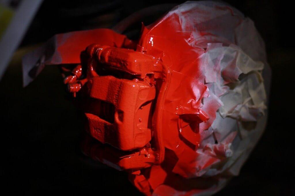 pokraska supporta 4 1024x682 - Чем красить суппорта тормозные
