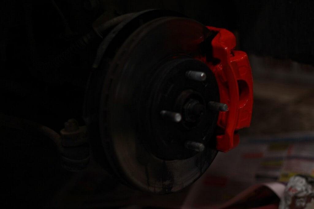 pokraska supporta 6 1024x682 - Чем красить суппорта тормозные