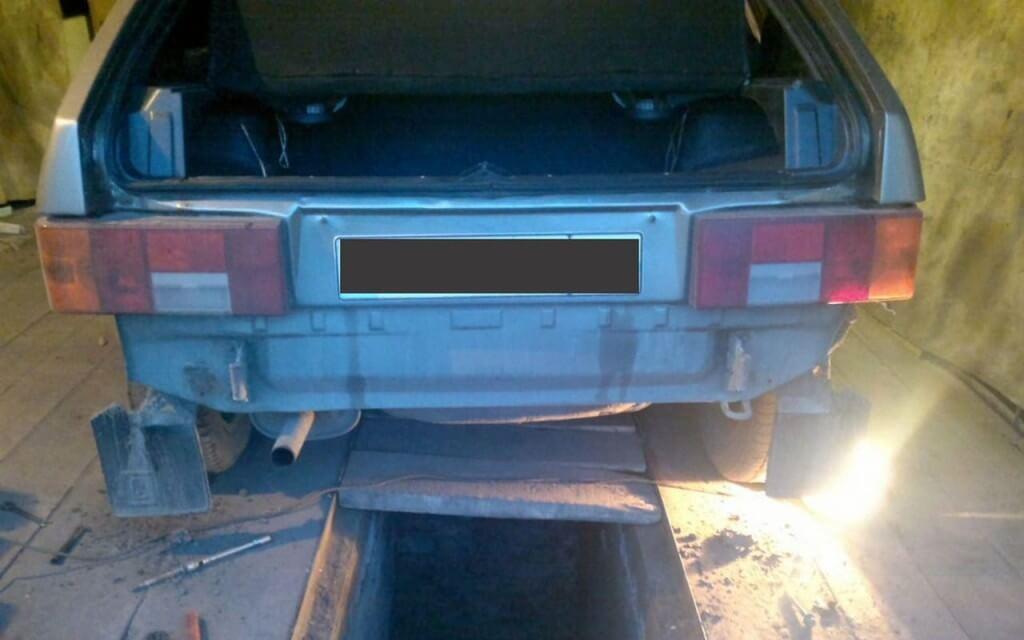 ВАЗ 2114 со снятым задним бампером