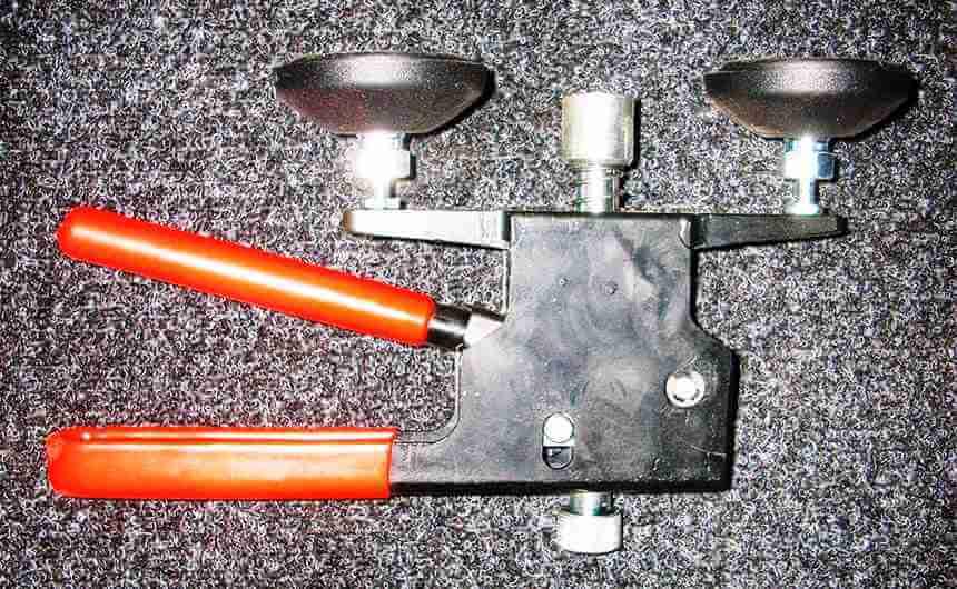 Специальная присоска для вытяжки вмятин кузова