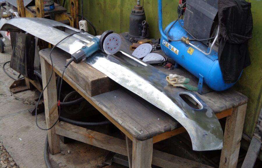 Подготовка поверхности элемента кузова к хромированию