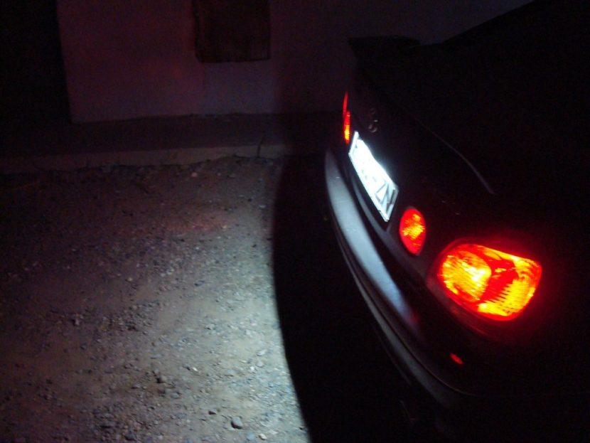 Задняя подсветка номерного знака