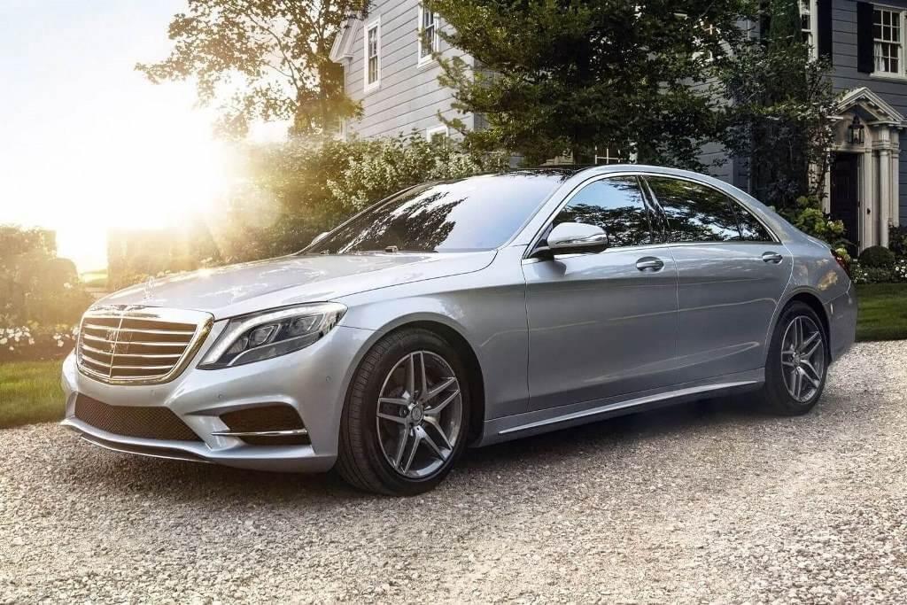 Автомобиль Mercedes-Benz S-Class Sedan