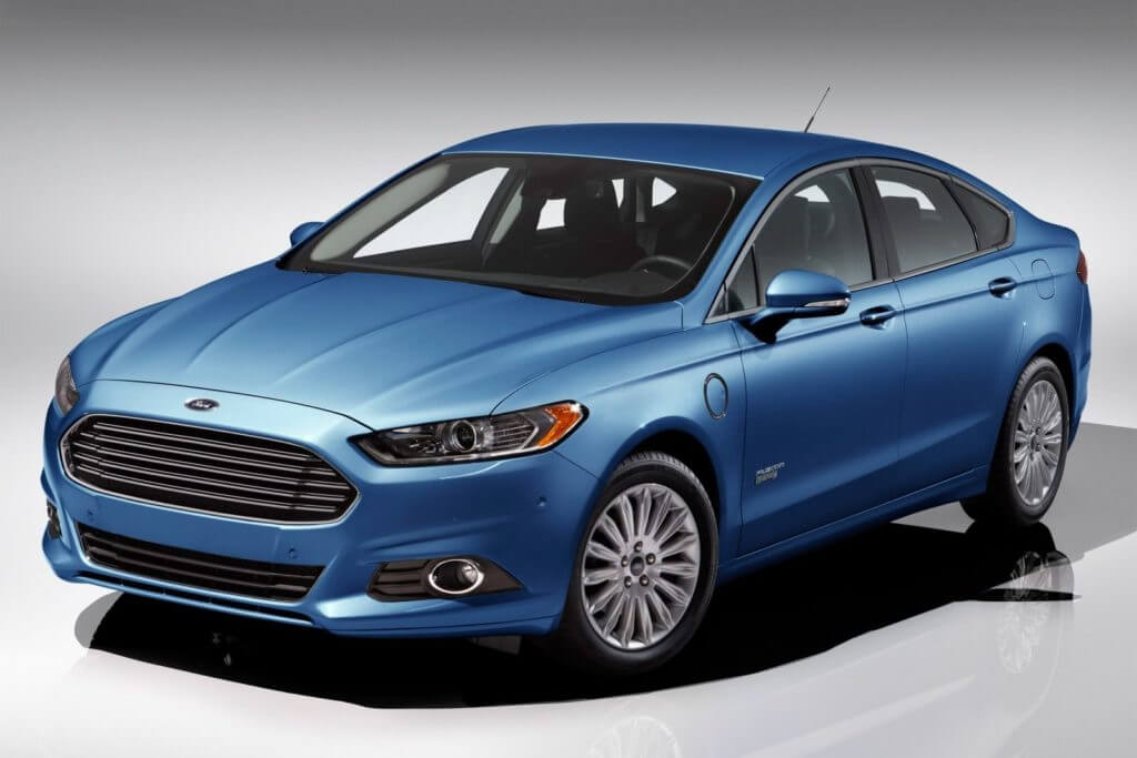 Ford Fusion 2016 года выпуска