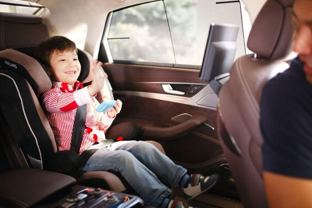 В этом возрасте, дети отличаются большой подвижностью, без понимания ситуации