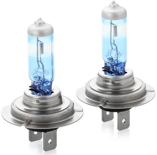 Лампа обеспечивает отличное освещение правой стороны дороги (обочины), как в ближней, так и в дальней зонах
