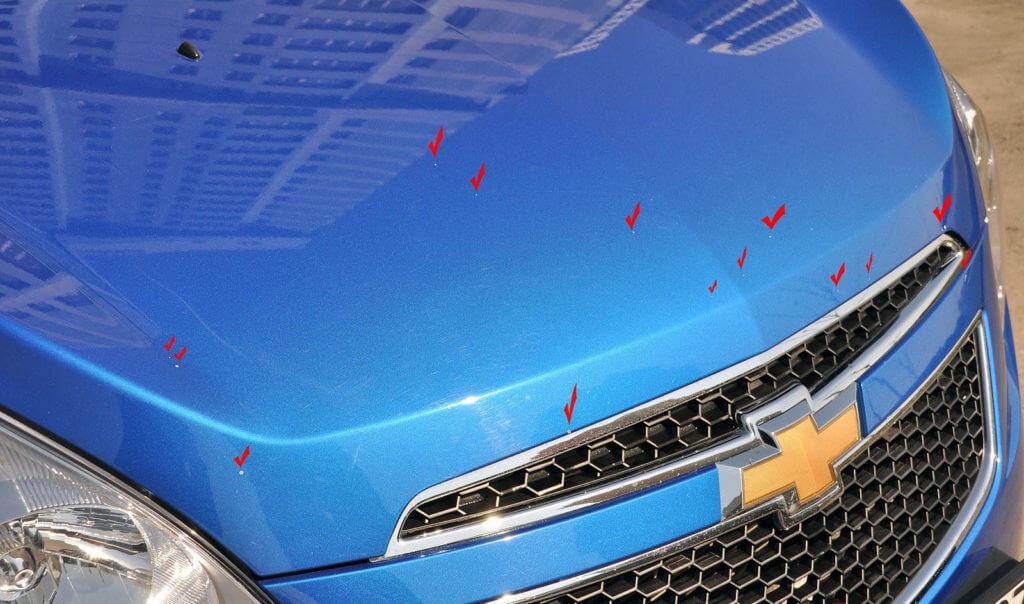 Обрести царапину можно абсолютно везде, теранувшись: об ветку или ограждение, другую машину и т.п.