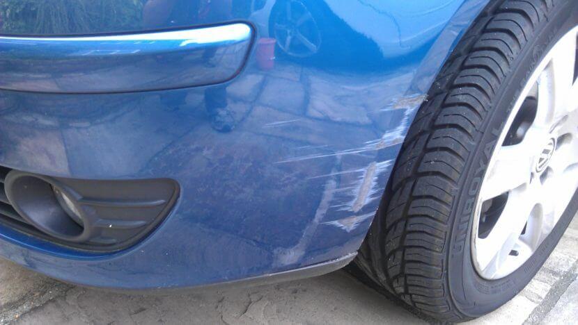 Неглубокая царапина на машине как убрать