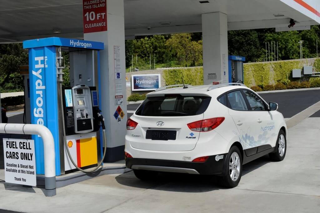 Если бы все автомобили ездили на водороде, то воздух в наших городах был бы намного чище
