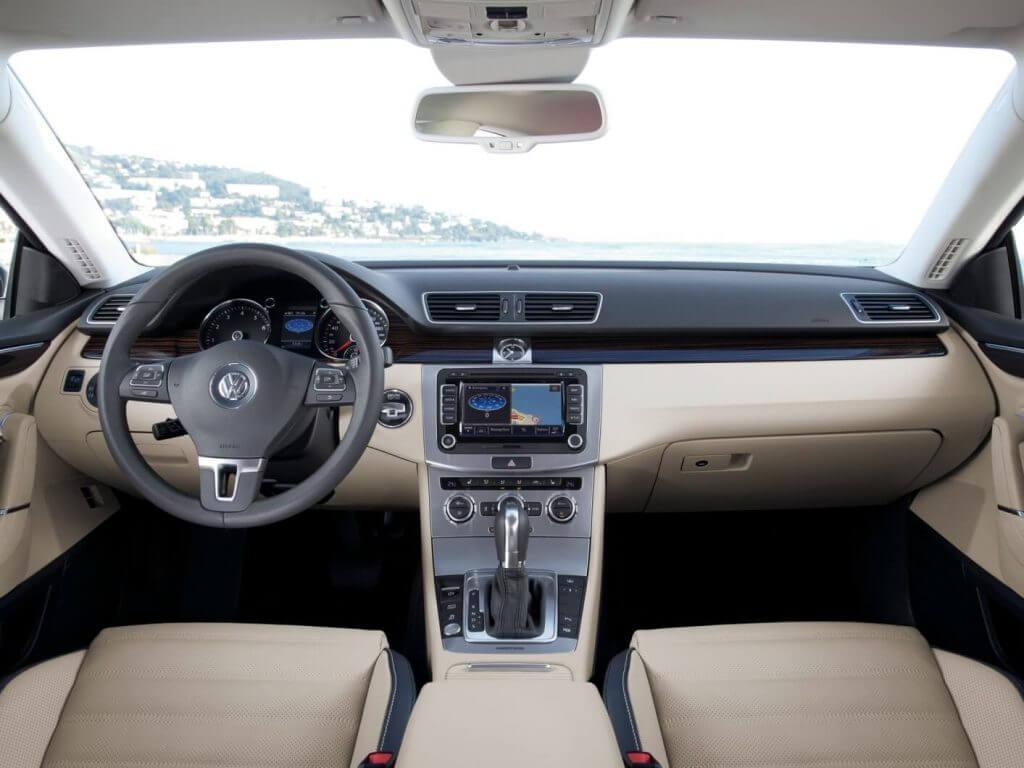 Interior Volkswagen CC 2017