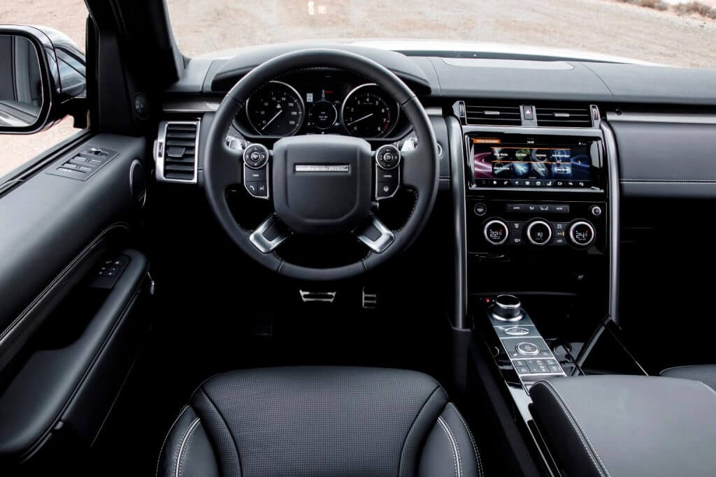 Dashboard 2017 Land Rover Discovery