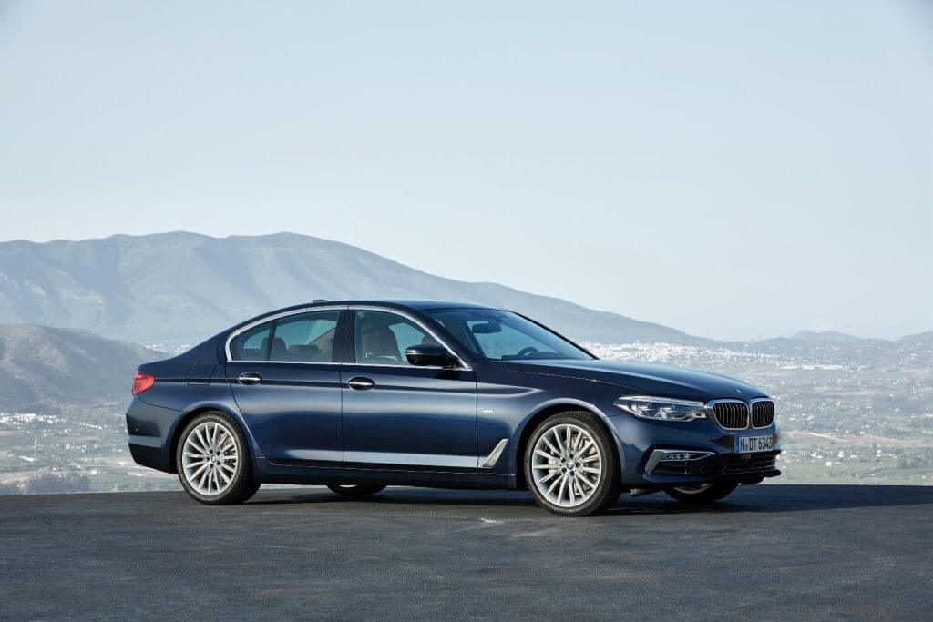 BMW 5 Series Sedan Luxury Line Worldwide (G30) '2017