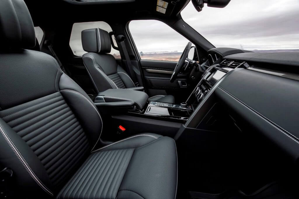 Interior 2017 Land Rover Discovery