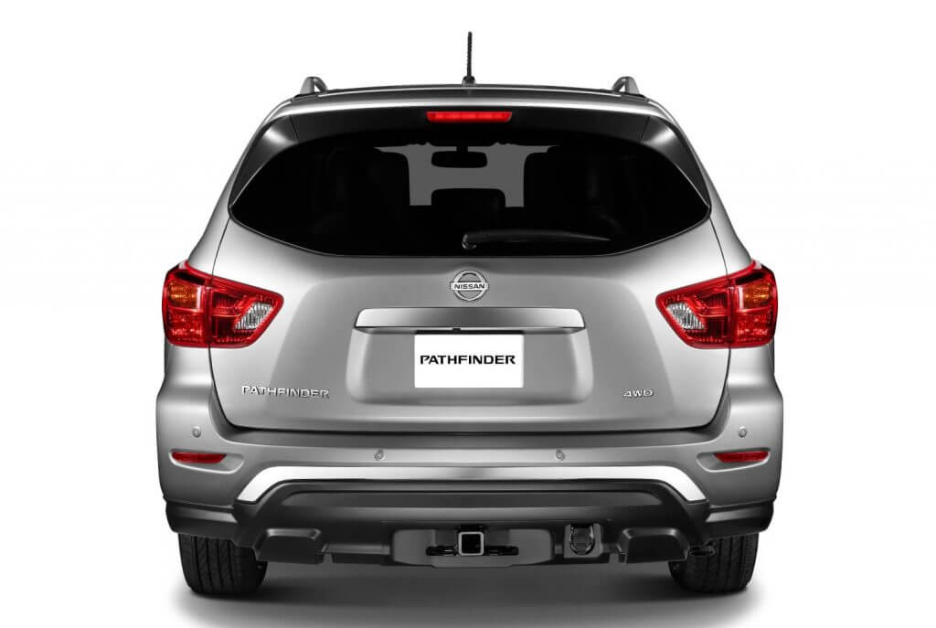 Вид сзади на Nissan Pathfinder '2017
