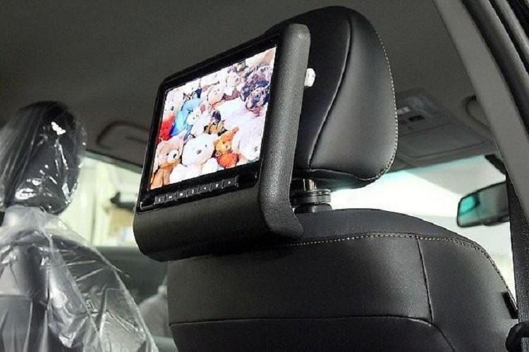 Телевизор-подголовник для авто