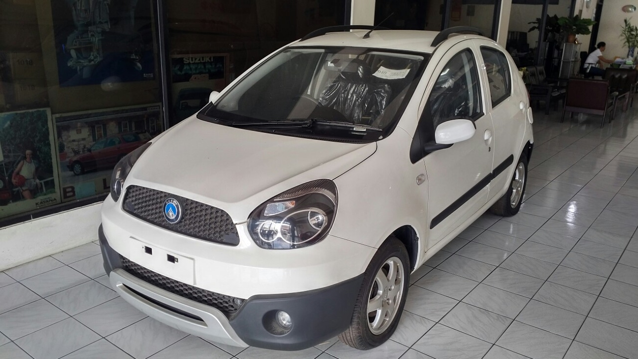 Geely LС Cross
