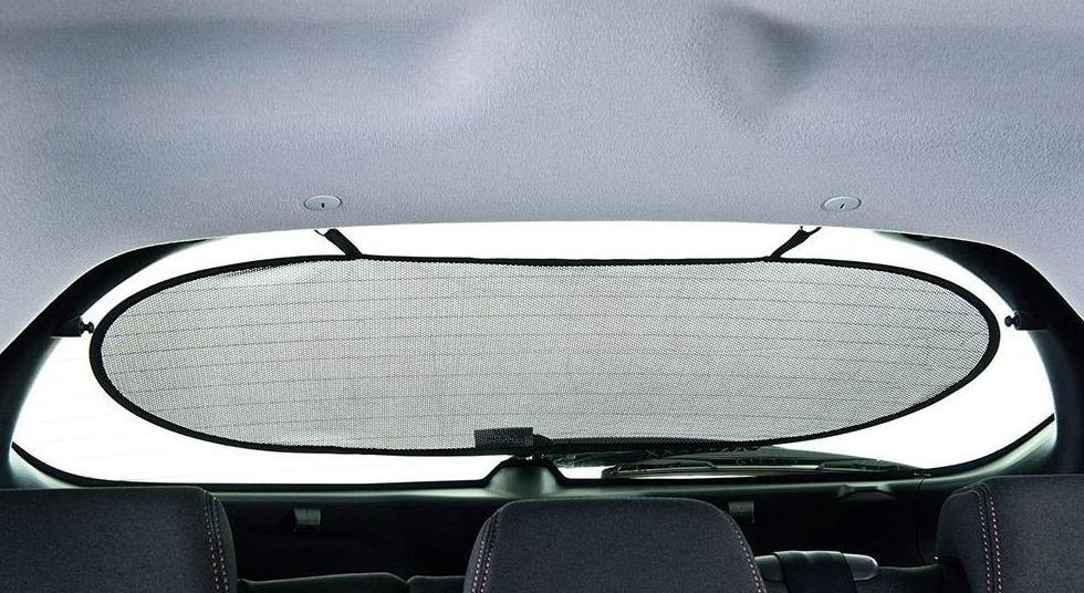 Экраны на стекла авто