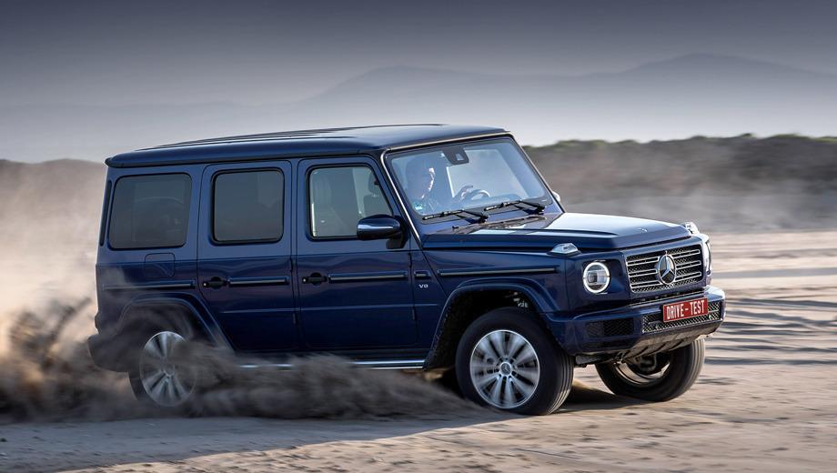 Mercedes G-класса на песке