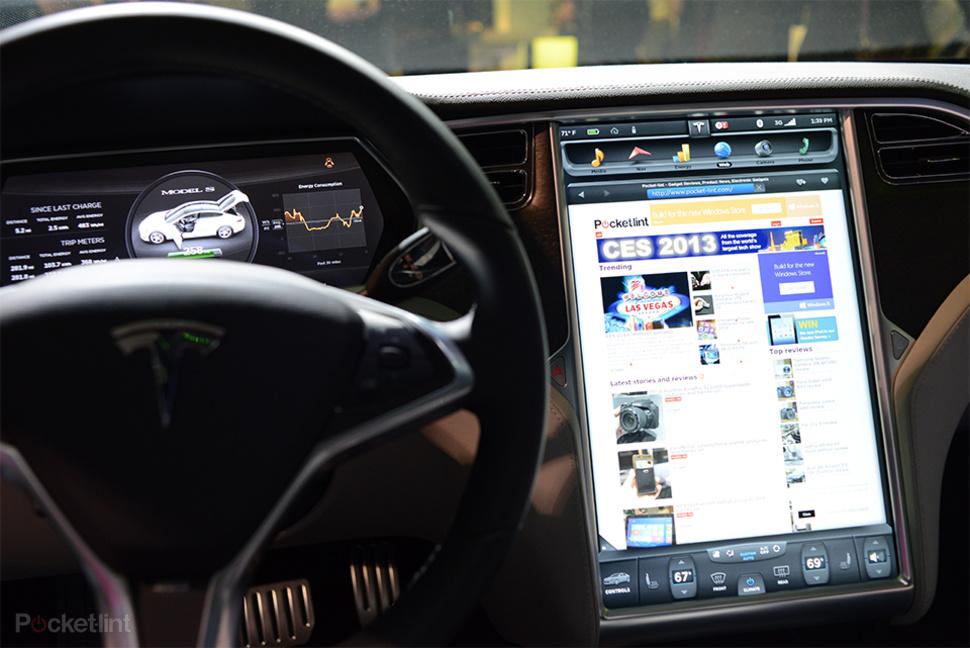 Приборная панель Tesla Model S