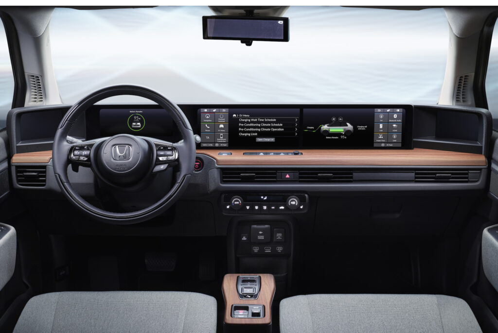 ЖК-экран в Honda e