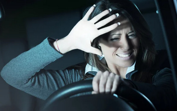 Ослепление встречным светом водителя