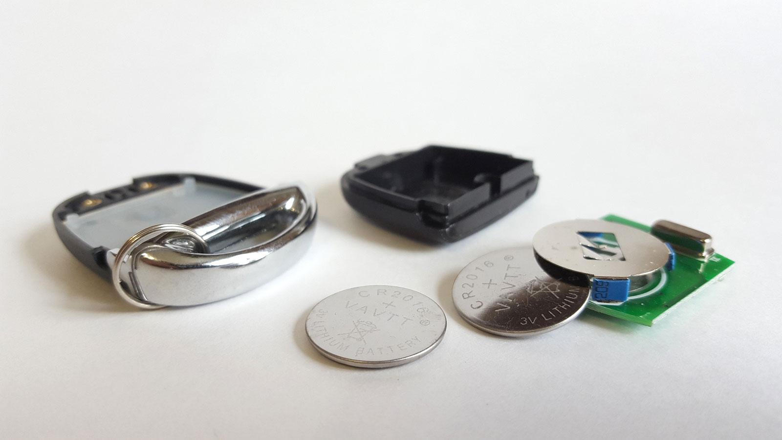 Батарейки-таблетки от брелока сигнализации