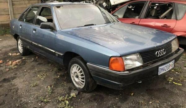 Авто Audi 500