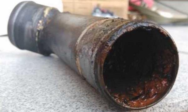 Ржавая труба радиатора