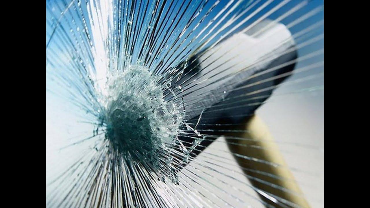 Трещины на ветровом стекле