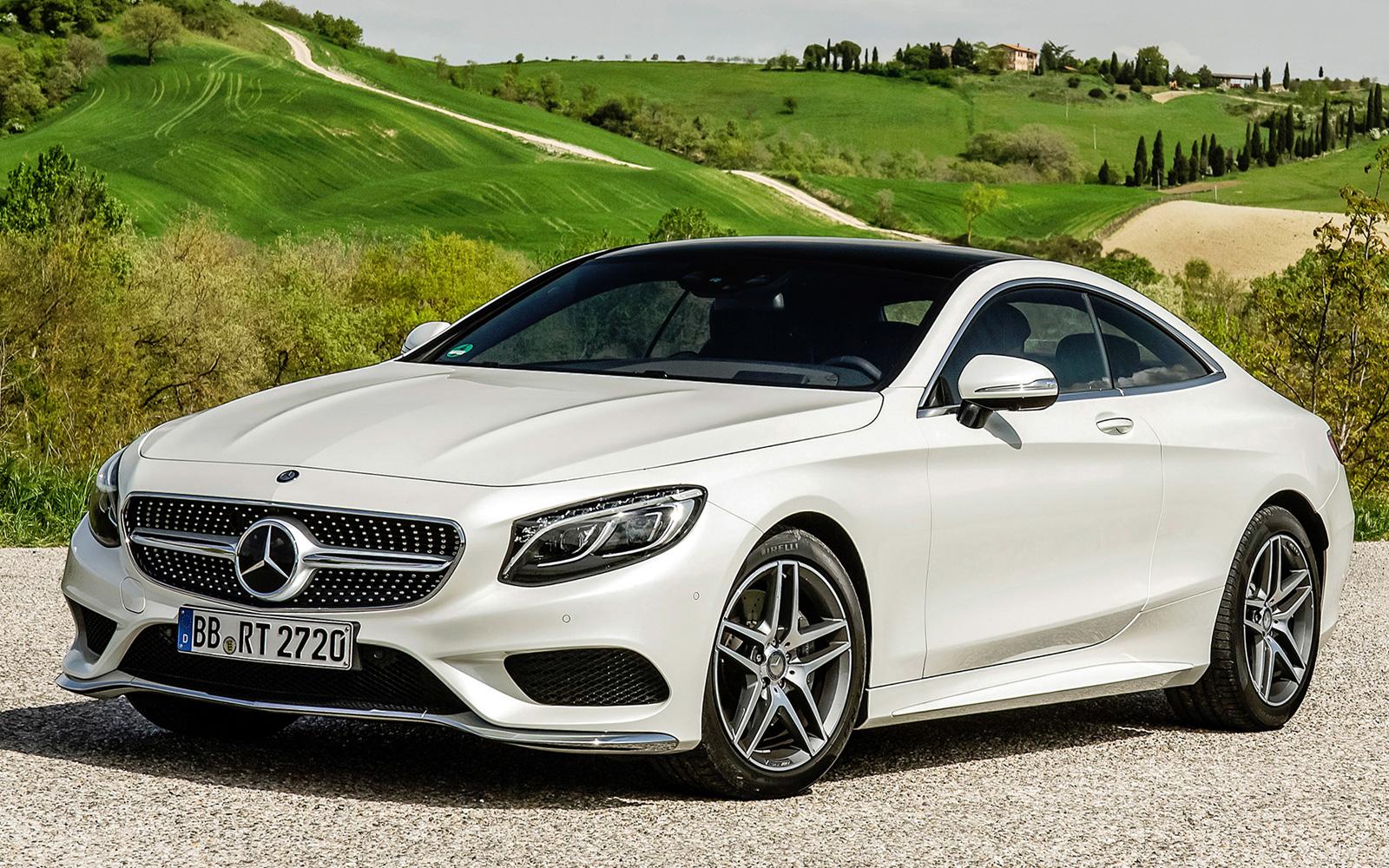 Белый Mercedes-Benz серии C-Class