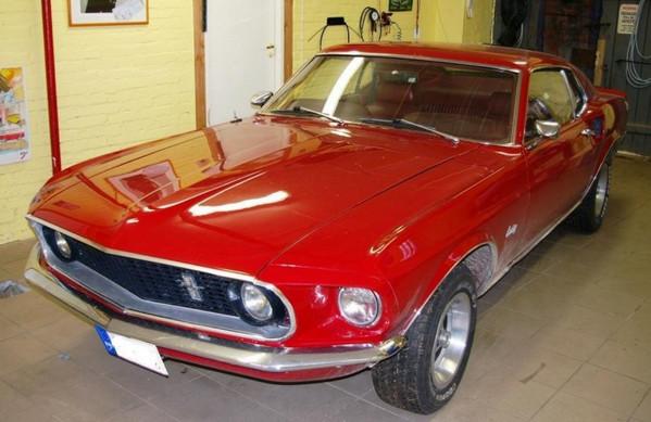 Неудачно восстановленный Ford Mustang