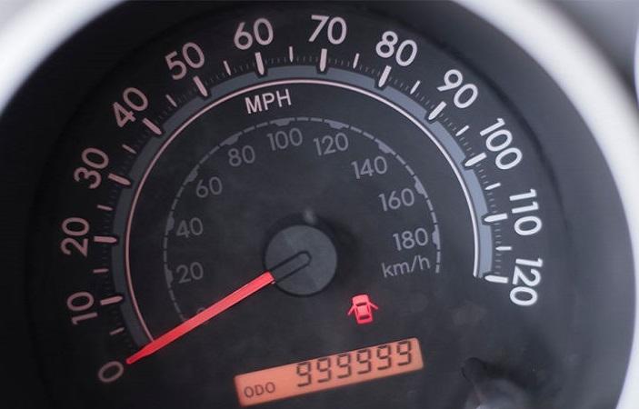 На тахометре 999999 км