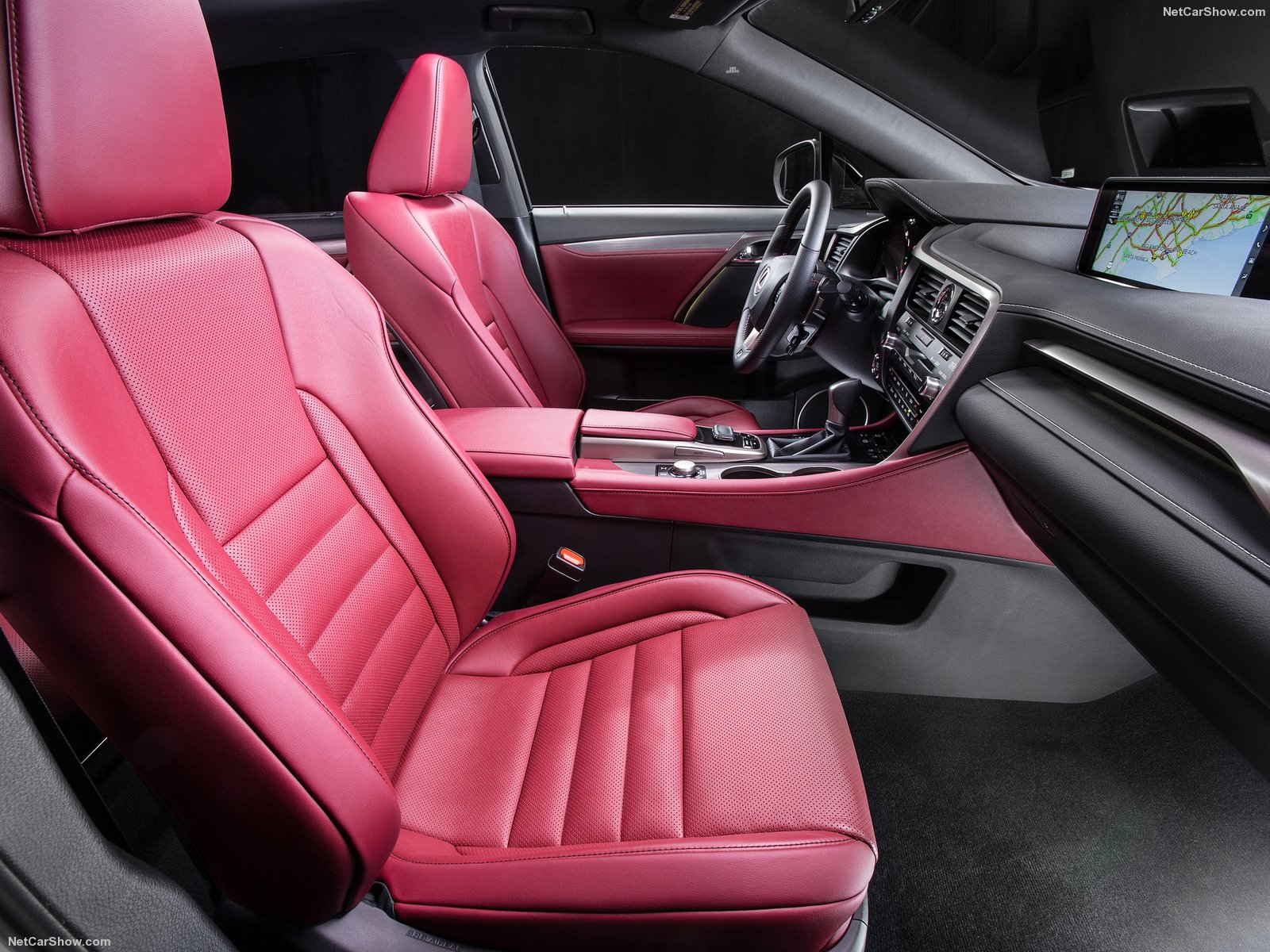 Передние сидения салона Лексус RX 300