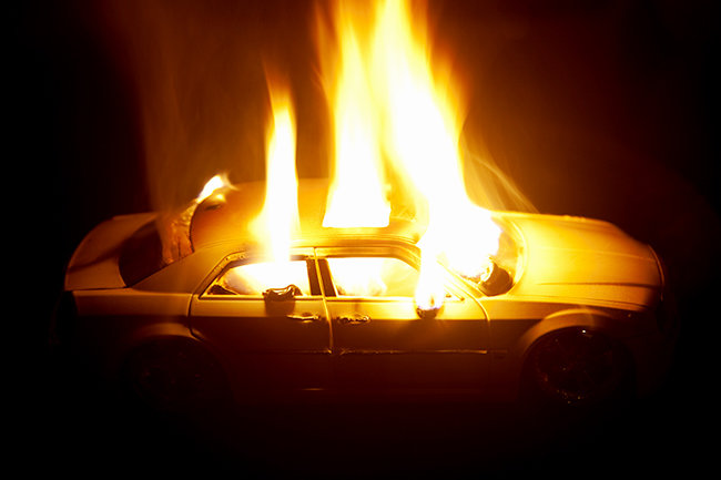 Машина горит внутри