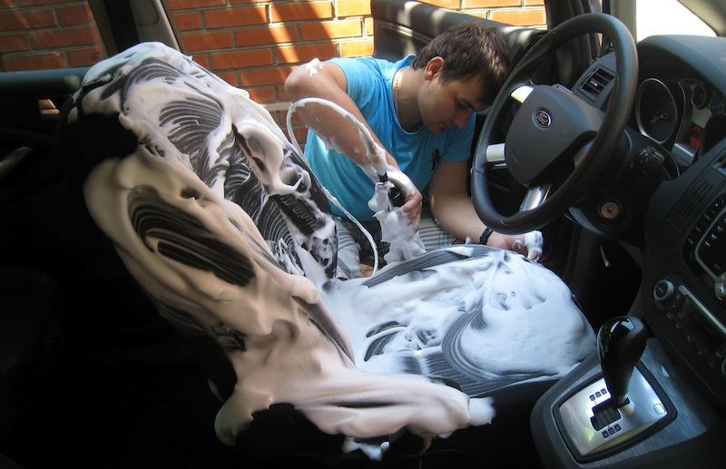 Пена на сидениях автомобиля
