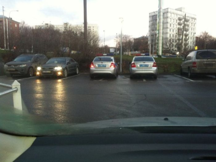 Припаркованные неправильно машины ГАИ