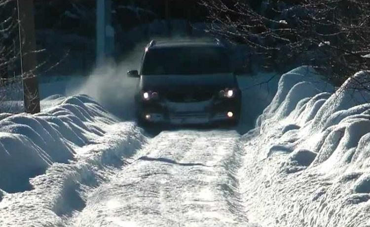 Volkswagen на снежной дороге