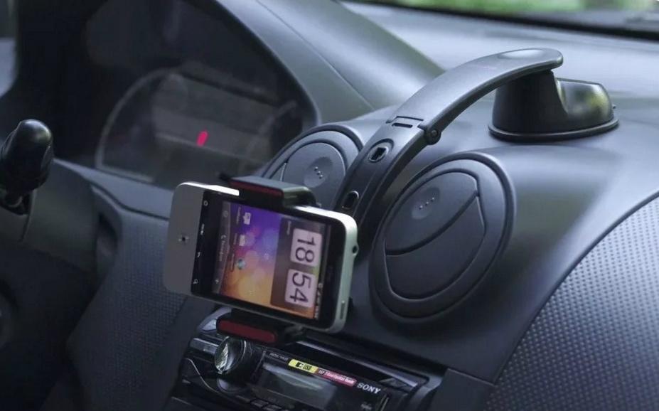 Крепление для телефона в авто краб