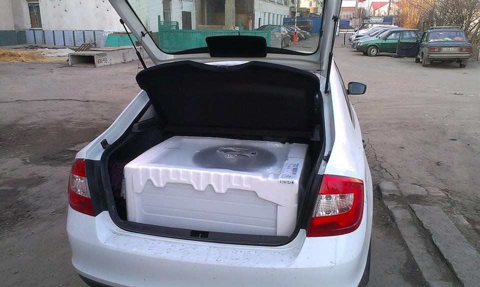 Стиральная машинка в багажнике