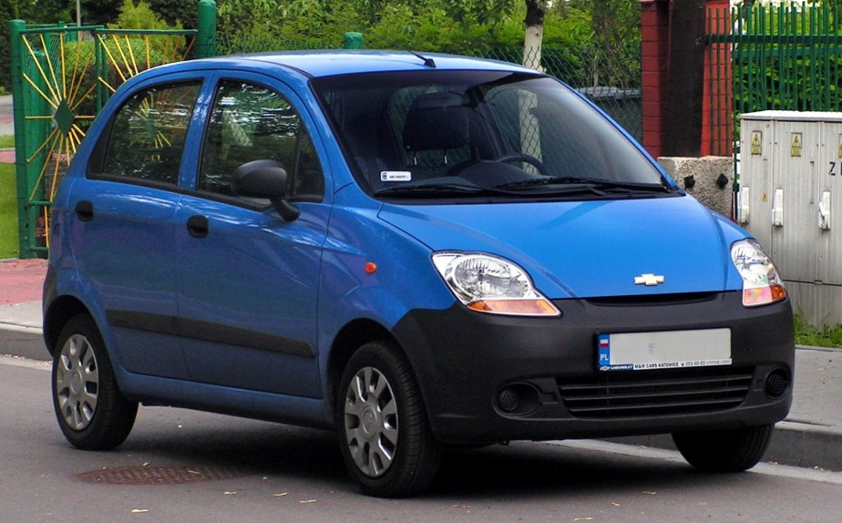 Синий Chevrolet Spark (Matiz)