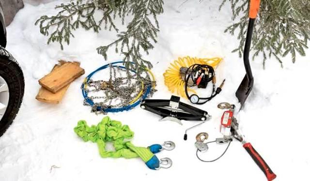 Инструменты, чтобы выбраться из снега