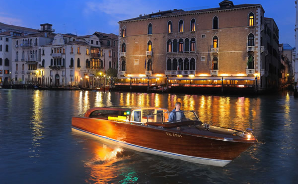 Такси на воде