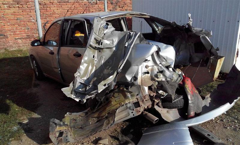 Машина после взрыва баллона с газом