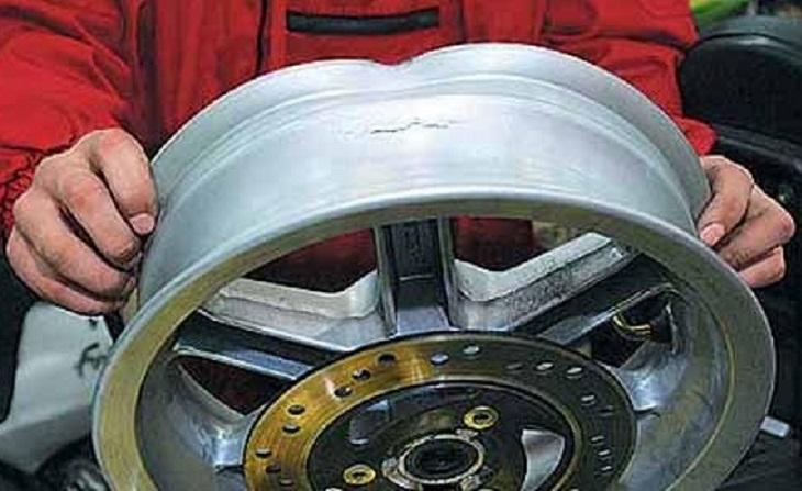 Погнутый литой диск