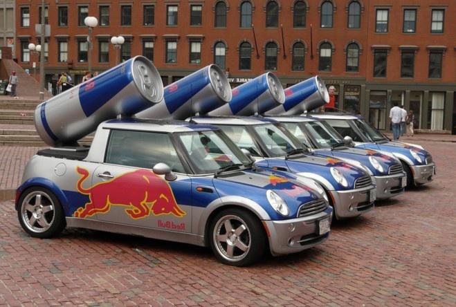 Рекламные авто с банками на крышах